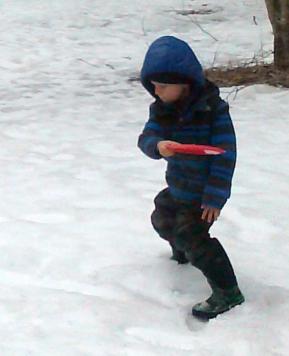 disc golf in snow.jpg