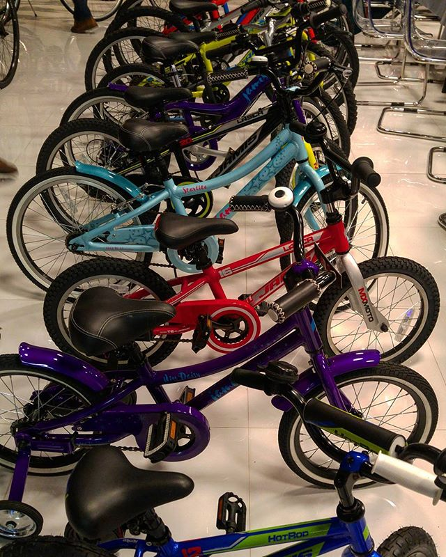 Stop by for our Black Friday Sale! @matawanbikeshop Free Holiday Layaway and delivery! Now open until 6pm Tues-Fri @matawanbikeshop @matawanbikeshop  #blackfriday #monmouthcounty #november #gift #matawan #aberdeennj #coltsneck #keyport #cycling #bicycles #bikeshop #picoftheday #thursday