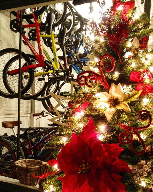 Black Friday Sale! 10-50% storewide! @matawanbikeshop @matawanbikeshop @matawanbikeshop  #newjersey #blackfriday #sale #cycling #matawannj #keyport #monmouthcounty #redbanknj #bikeshop #roadbike #mountainbike