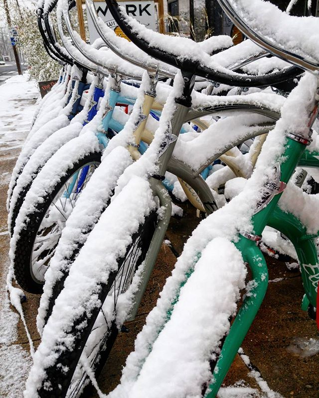 Holidays are just around the corner! @matawanbikeshop 732-696-2487  #holiday #thursday #snow #bicycles #matawannj #newjersey #cycling #fun #picoftheday