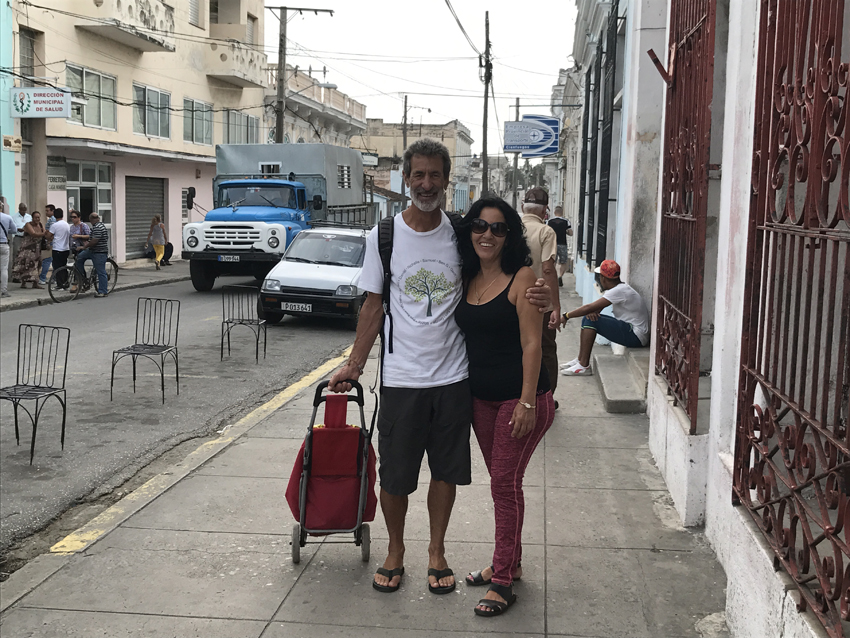 A nice outing to the shops - Carmen shows us where to buy food in Cienfuegos