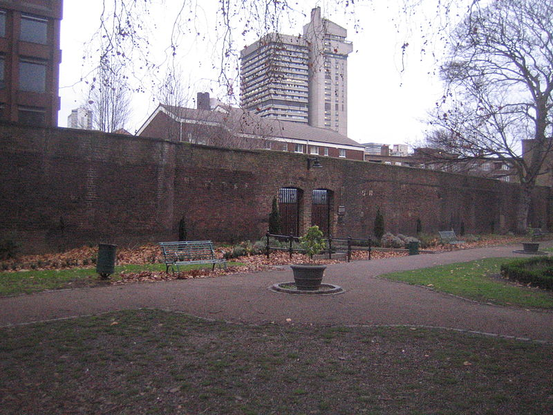 Marshalsea_wall_from_the_garden_side