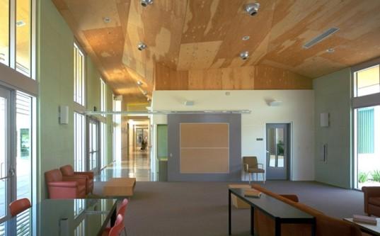 Koning-Eizenberg-Community-Center-4-537x333.jpg