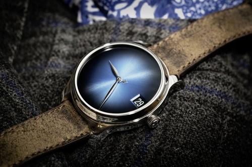 H Moser Endeavour Perpetual Calendar Funky Blue Concept