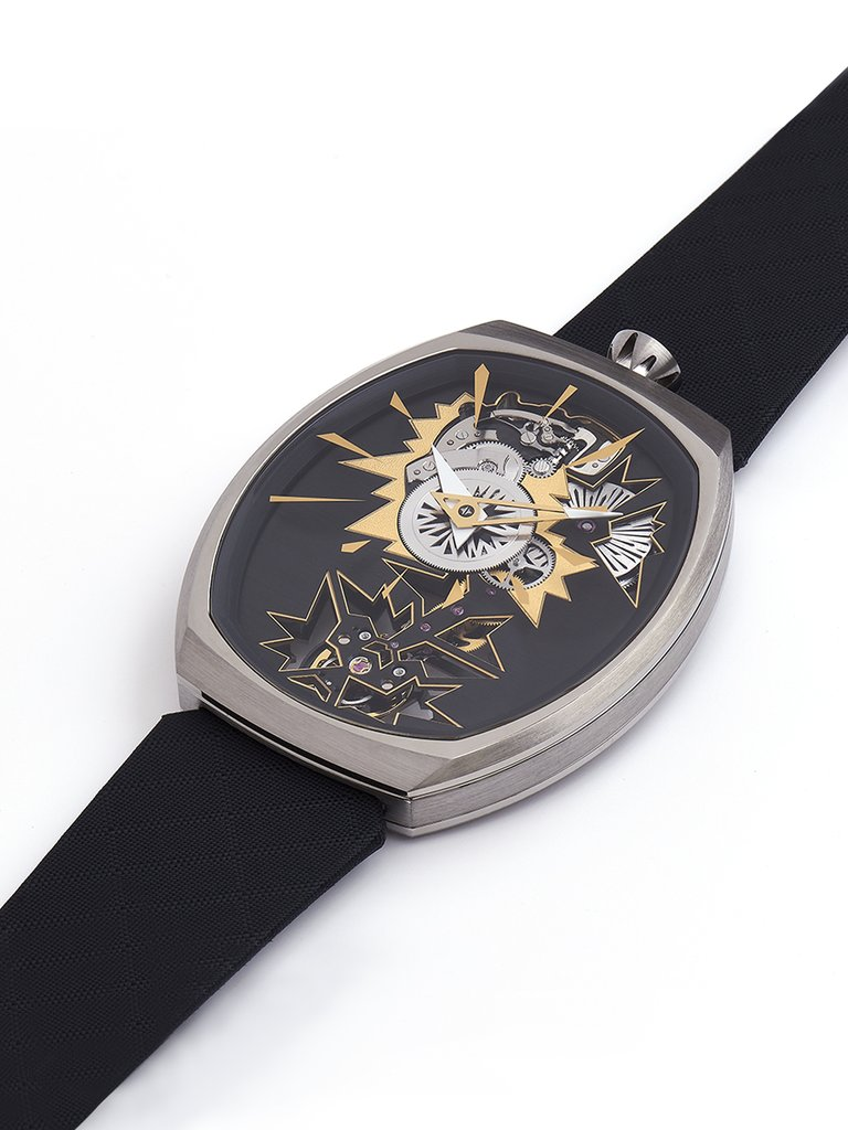 Fiona_Kruger_Mechanical_Entropy_Gold_Chaos_watch_Front.jpg