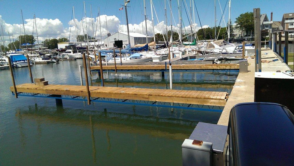 Bridgeview Marina Docks