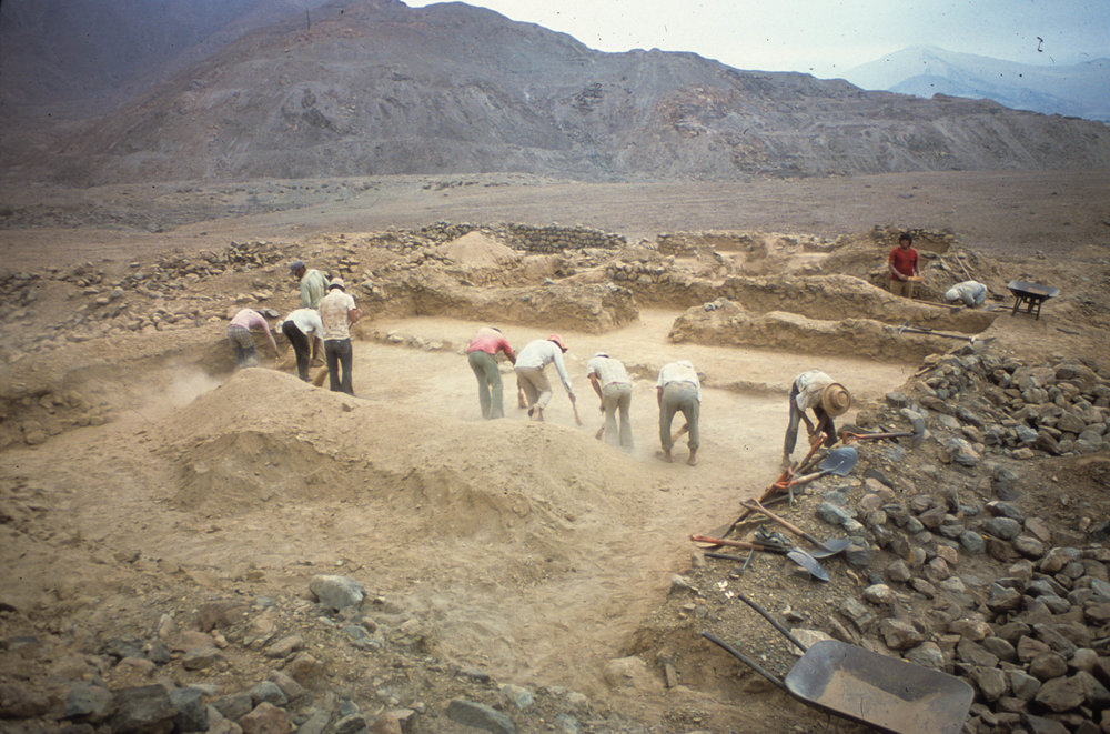 Keatinge and Conrad excavation at Talambo   |   Jequetepeque Valley     (Photo courtesy of Geoffrey Conrad)