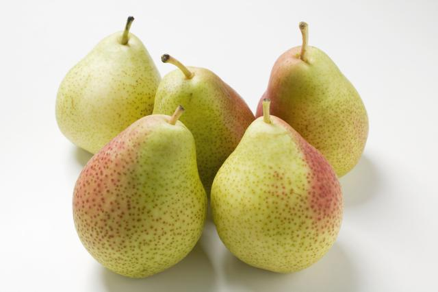 Mrs. Potter was cutting up five pears to serve as a snack for her children. Each pear was cut into six pieces. How many of pieces of pear did Mrs. Potter cut?
