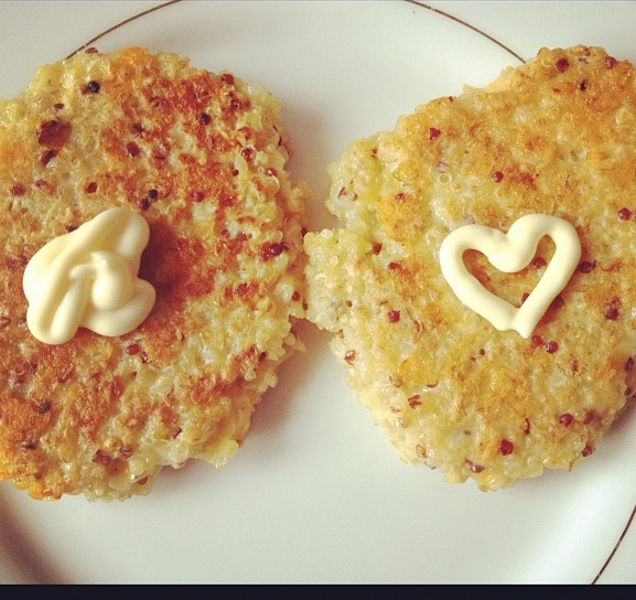 Cheesy quinoa cakes with kewpie