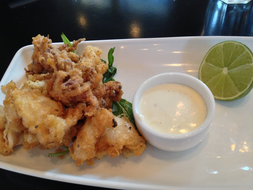 Crispy calamari with lemon mayonnaise