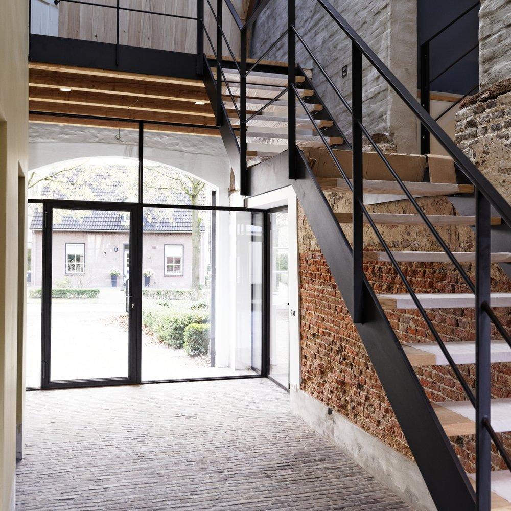 Smits bouwbedrijf - stalen trap