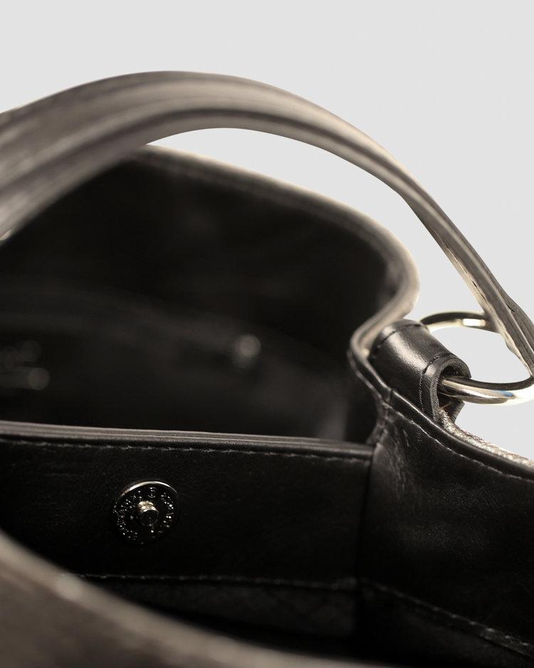 Bucket_Inside_BW.jpg