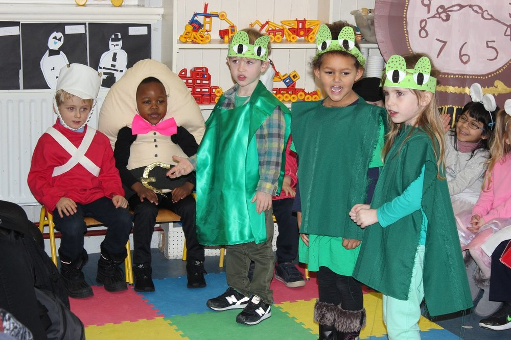 Junior Infants Claddagh Christmas Show Ms Ledwith#2.JPG