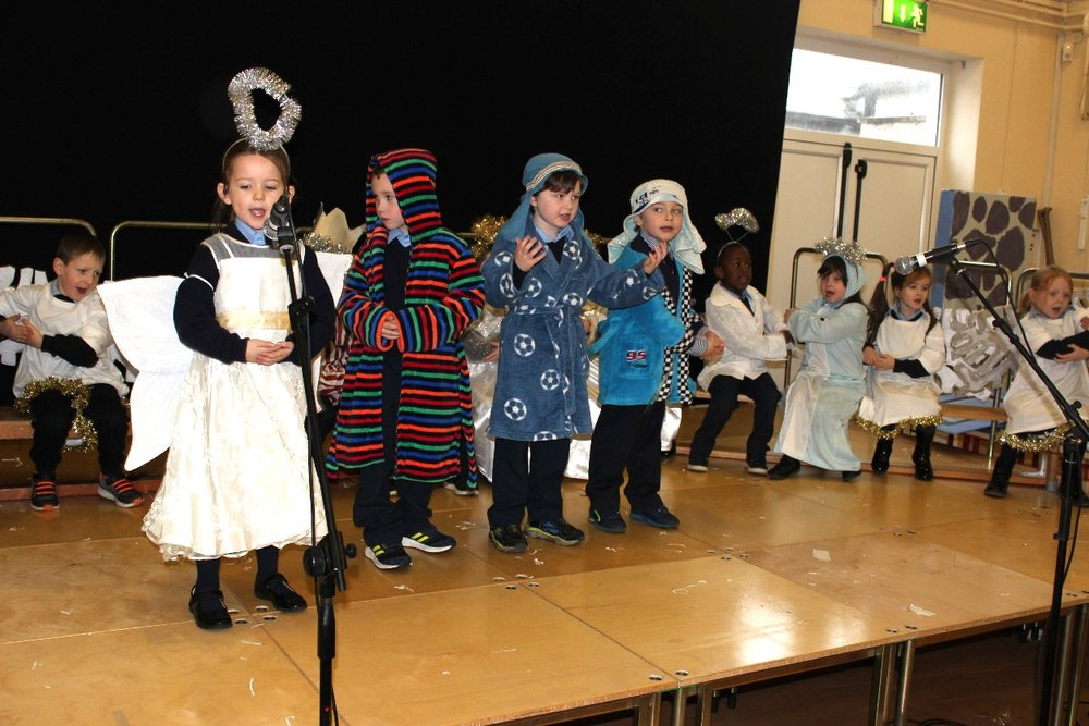 Junior Infants Claddagh Christmas Show Ms Ferguson#10.JPG