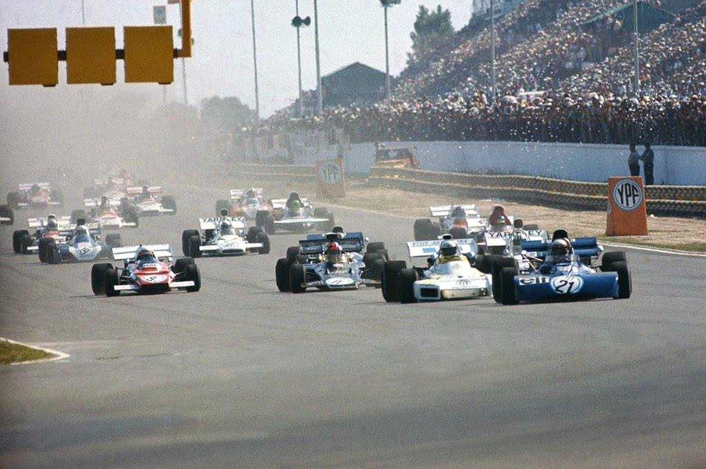 Jackie Stewart leads Carlos Reutetmann. Photo: unknown.