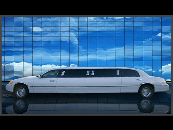 10 Passenger Lincoln Town-car (White)