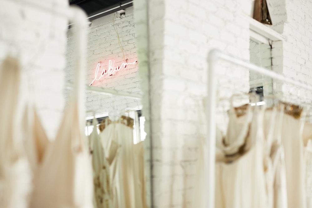 Lakum-Showroom-mirror.JPG