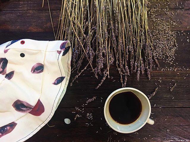bir kahve içip, yaz iyice kendini göstermeden bahçeye çıkmak gerek.. #simplehappiness #lifeisbeautiful