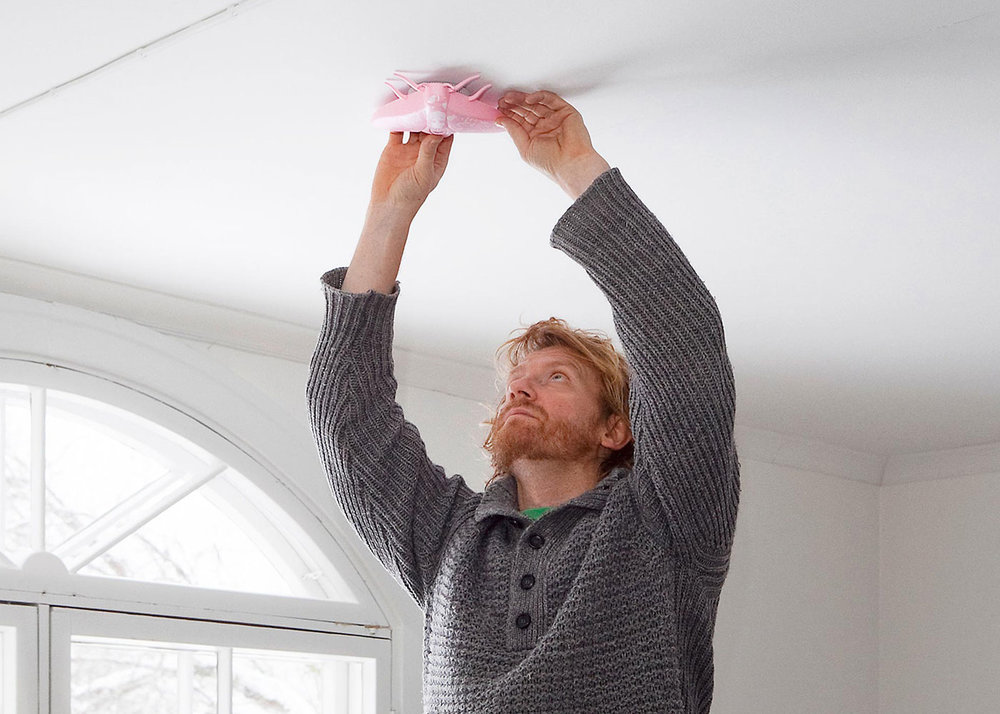 Installing and Mounting smoke alarm - Lento Pink