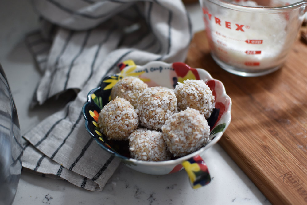 no almond pulp, coconut and cardamom bake energy bites