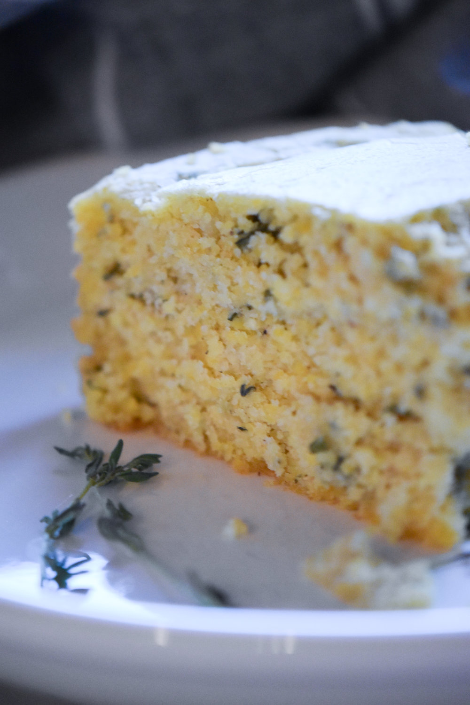 savory herb-scented cornbread {v+gf} | Make Mary