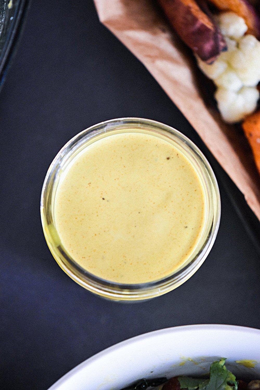 hippie bowl with veggies & turmeric sauce