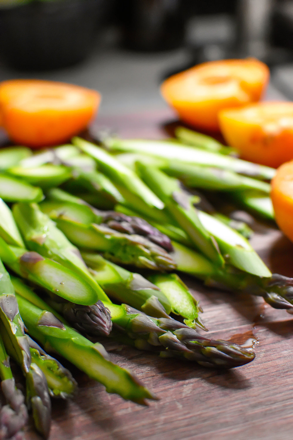 Grilled Apricot and Asparagus Salad