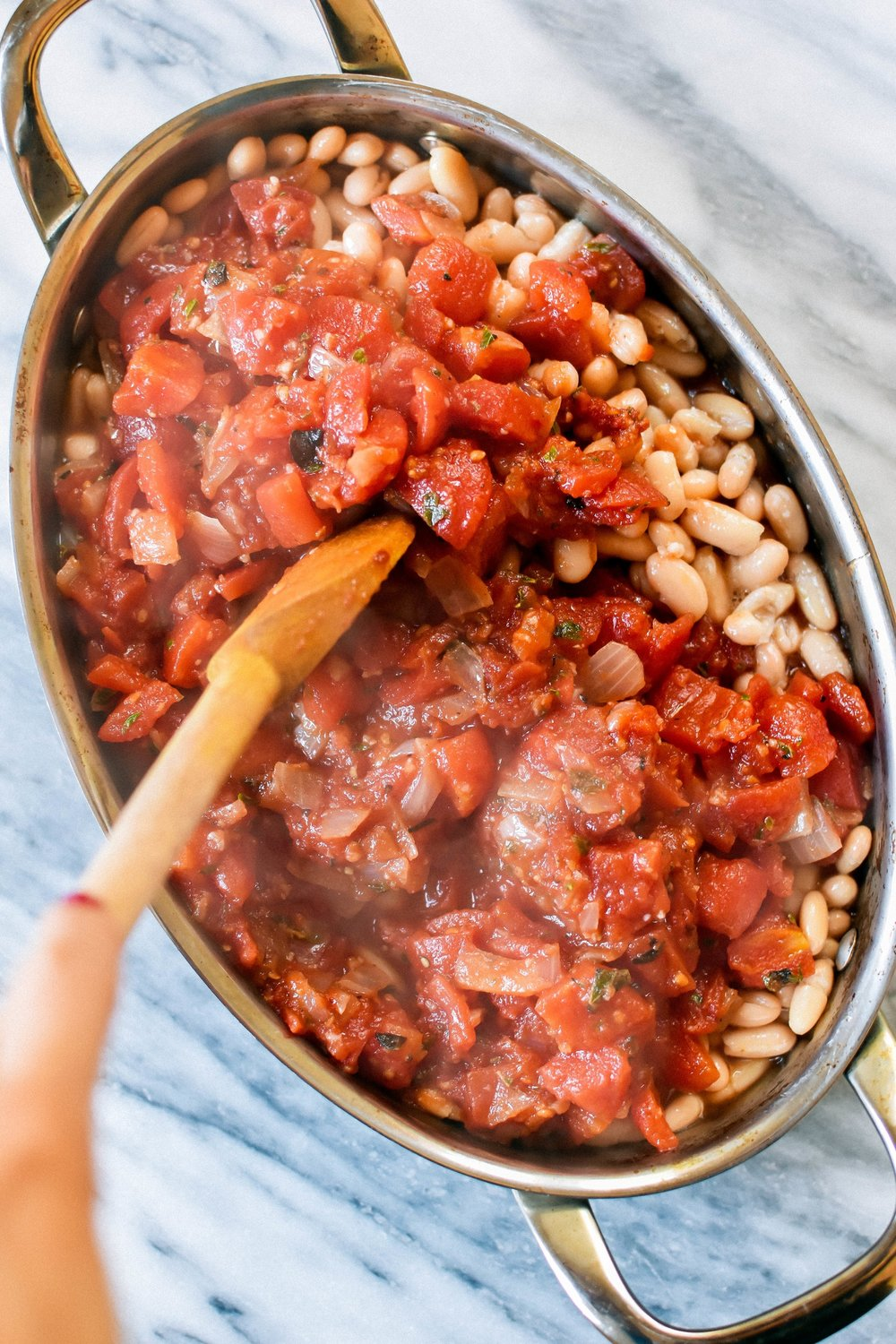 greek baked beans in tomato sauce