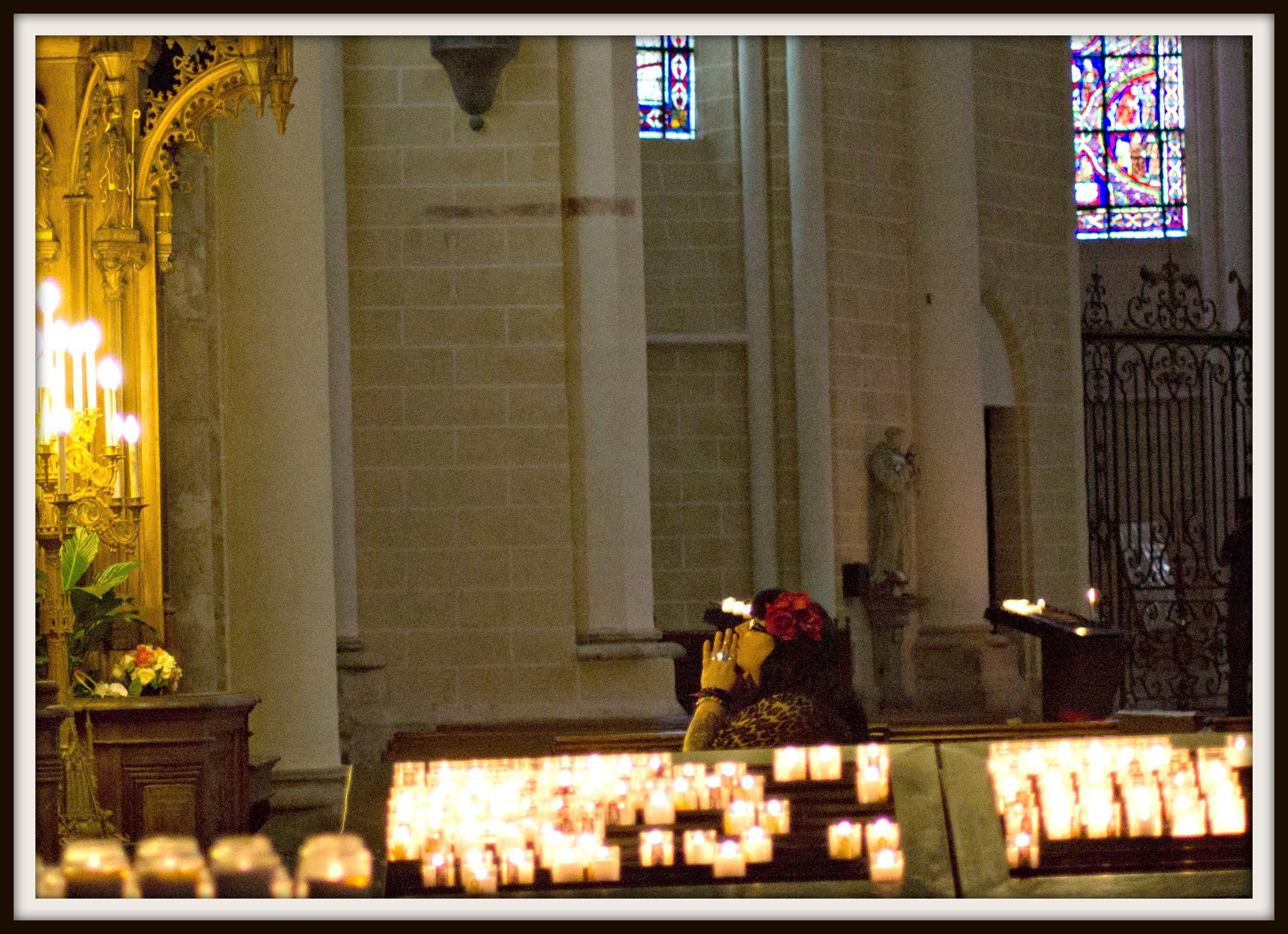 france praying