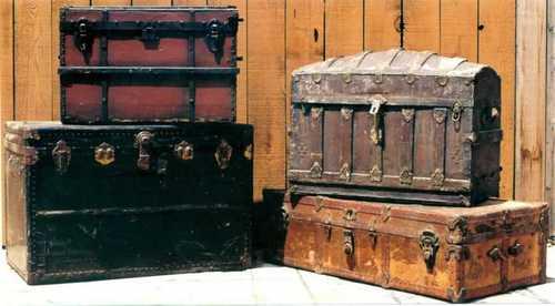 steamer trunks