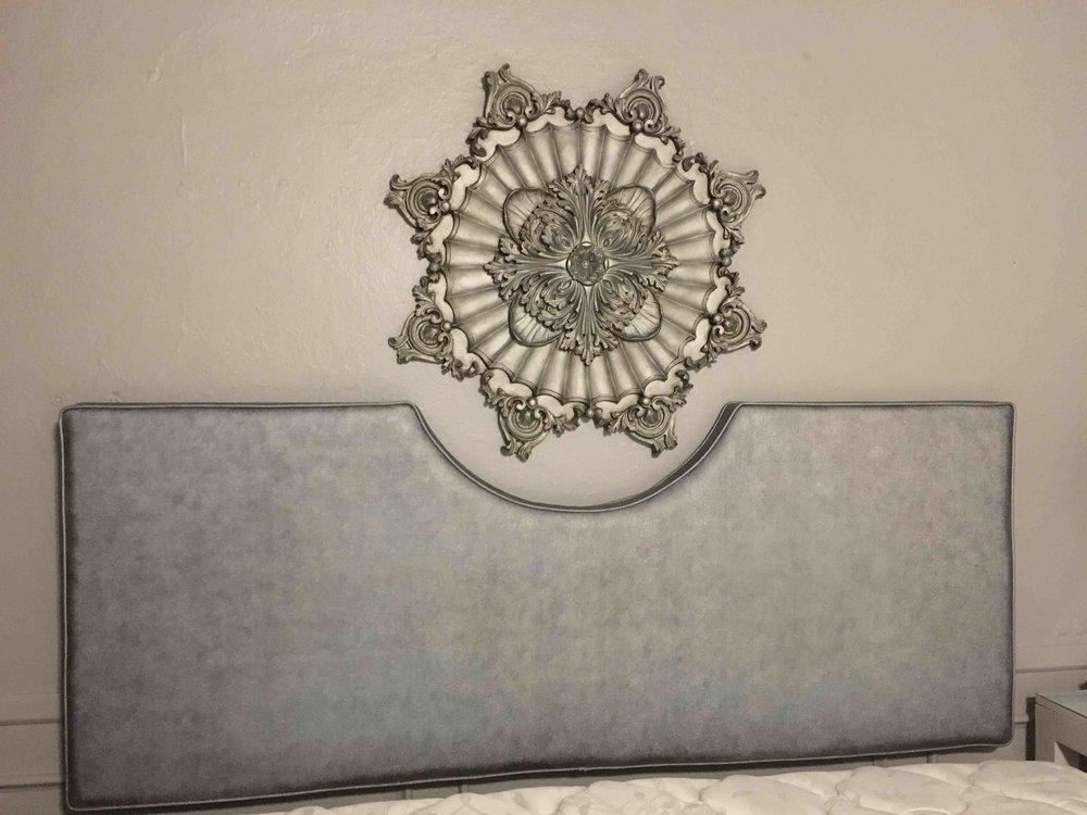 LP King Headboard w/Medallion $225
