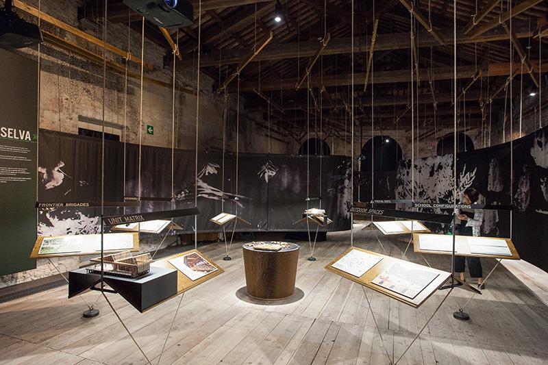 Instalación en Pabellón peruano en la BIenal de Arquitectura de Venecia, Italia, 2016.  Installation in Peruvian Pavillion Venice Biennale of Architecture, Italy, 2016.