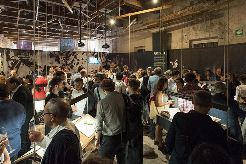Instalación  en Pabellón peruano en la BIenal de A  rquitectura de Venecia, Italia,2016.  Installation in Peruvian Pavillion Venice Biennale of Architecture,Italy, 2016.