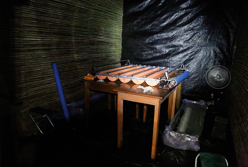 Laboratorio artesanal donde se revelaron los rollos de 30 metros con agua de río. Cada revelado demoró 5 horas y 40 minutos.