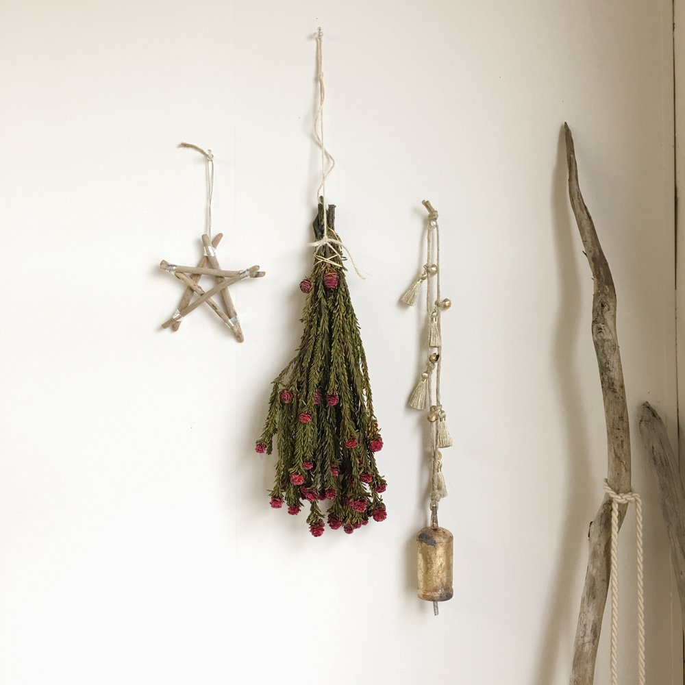 Catherine Rising is a local artist located in the Hungerford building. Crafting floral smudge sticks, plant hangers and all sorts of perfect stocking stuffers.