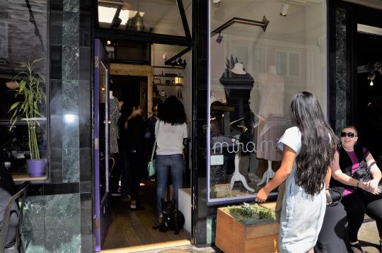 fashionwalksw94fjZKM1vu0nrgo9_540.jpg