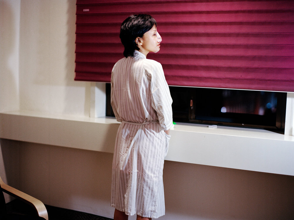 Beauty Recovery Room 014_34 years old_Seoul South Korea_2012.jpg