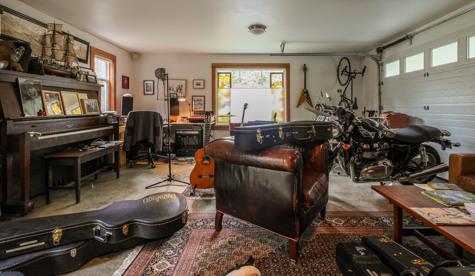 The lower half of the garage was devoted to a writing and music studio.