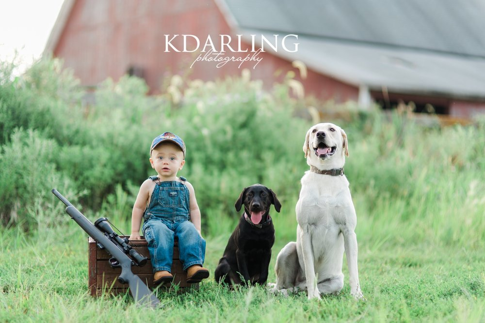 toddler-boy-18-months-family-three-hunting-red-barn-champaign-IL-family-photographer-darling_0323