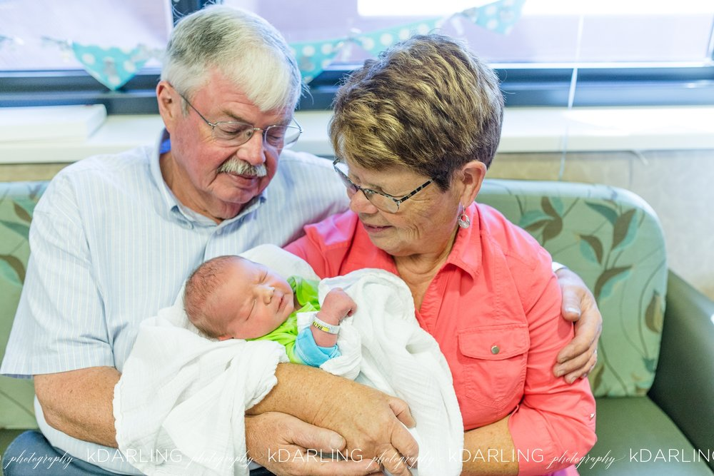 Carle-Hospital-Newborn-Champaign-County-IL-Blessed-Beginning-Hospital-Photo-Session-Fresh-48_1882.jpg