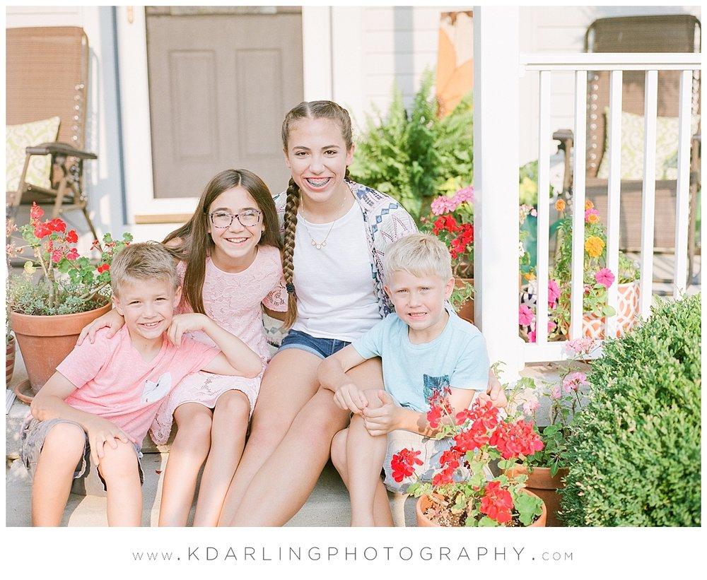 Central-illinois-Photographer-family-film-photography-Cissna-Park-mamiya-fuji-front-porch-session_0425.jpg