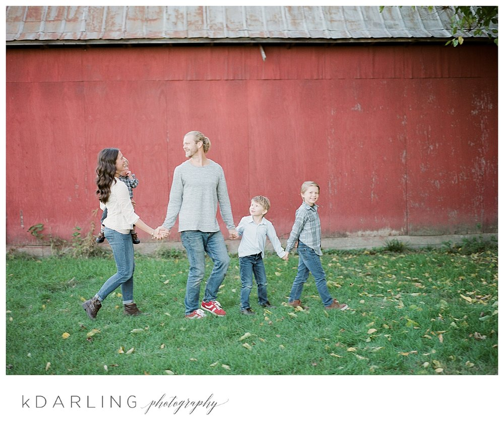 Lifestyle-family-photography-in-home-children-brothers-onarga-central-il_0026.jpg