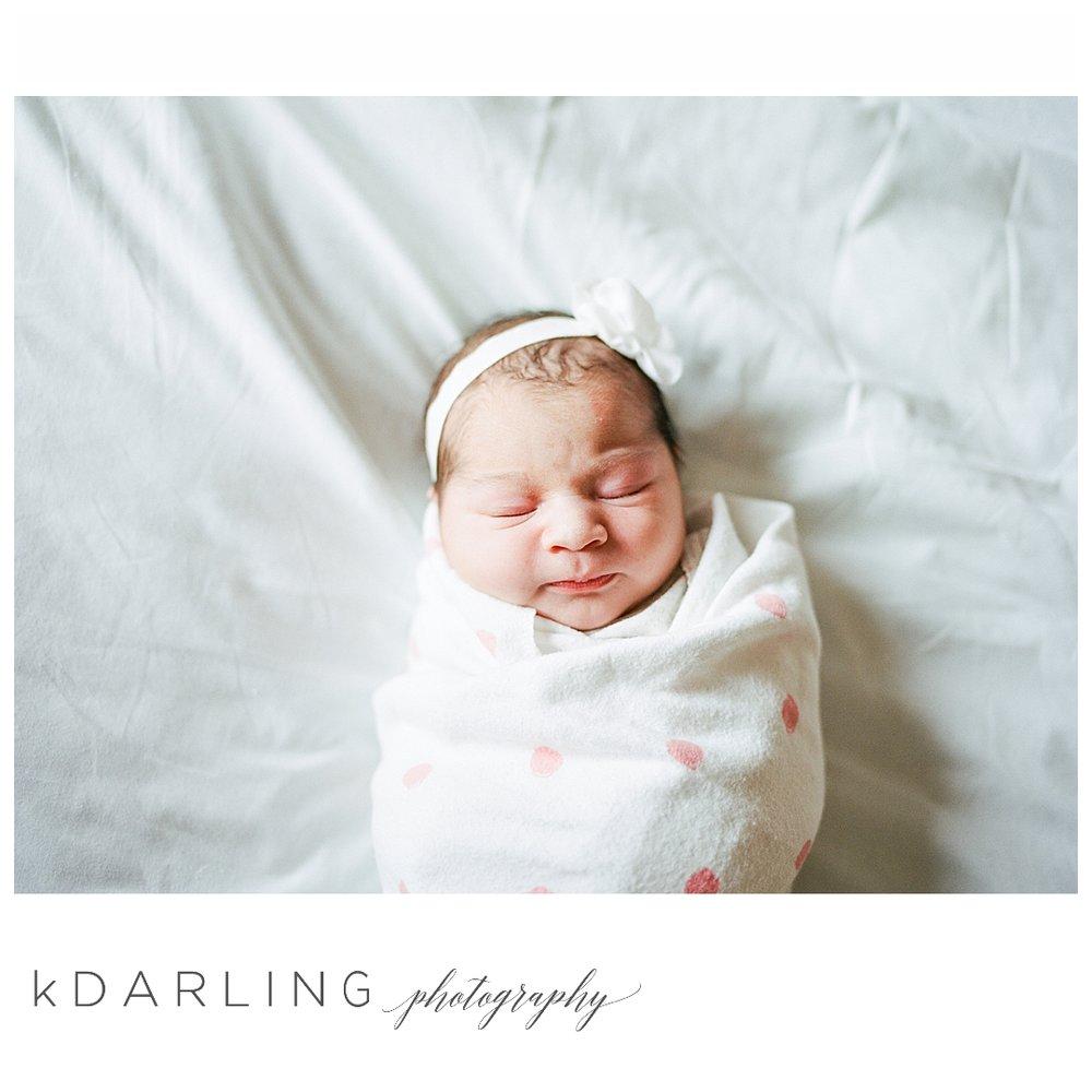 Fresh-48-hospital-newborn-photography-Carle-Urbana-Champaign-Central-IL-film_0056.jpg
