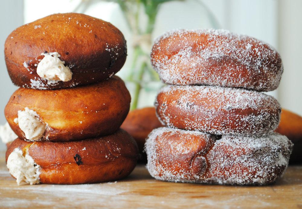 Vanilla Caramel Sufganiyot
