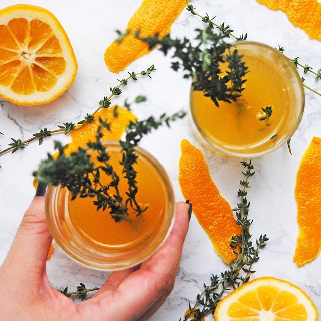 this meyer lemon and thyme #whisky sour is basically #sunshine in a cup 🍋🌿💛 get this #cocktail recipe on the blog today!