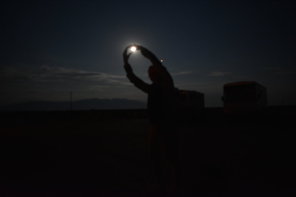 Catching the full moon in Great Sand Dunes Colorado | Watson & Walls