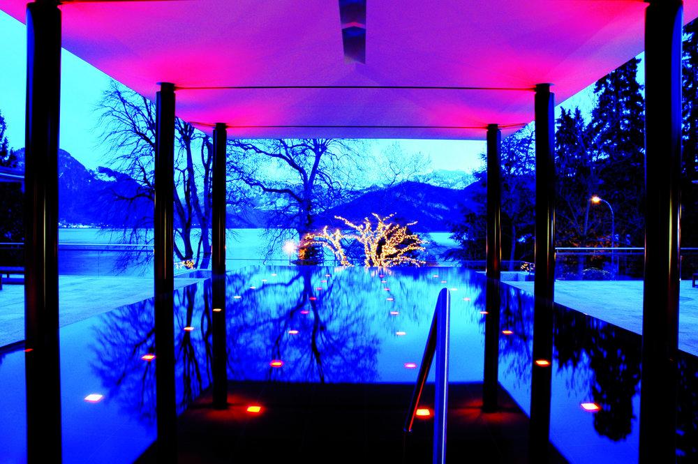 Pool_blau und pink.jpg