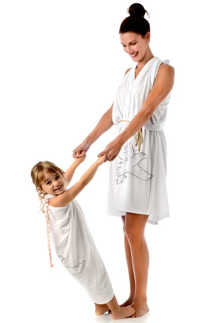 pegeants-dress-matching-style-mother-daughter-beachwear2.jpg