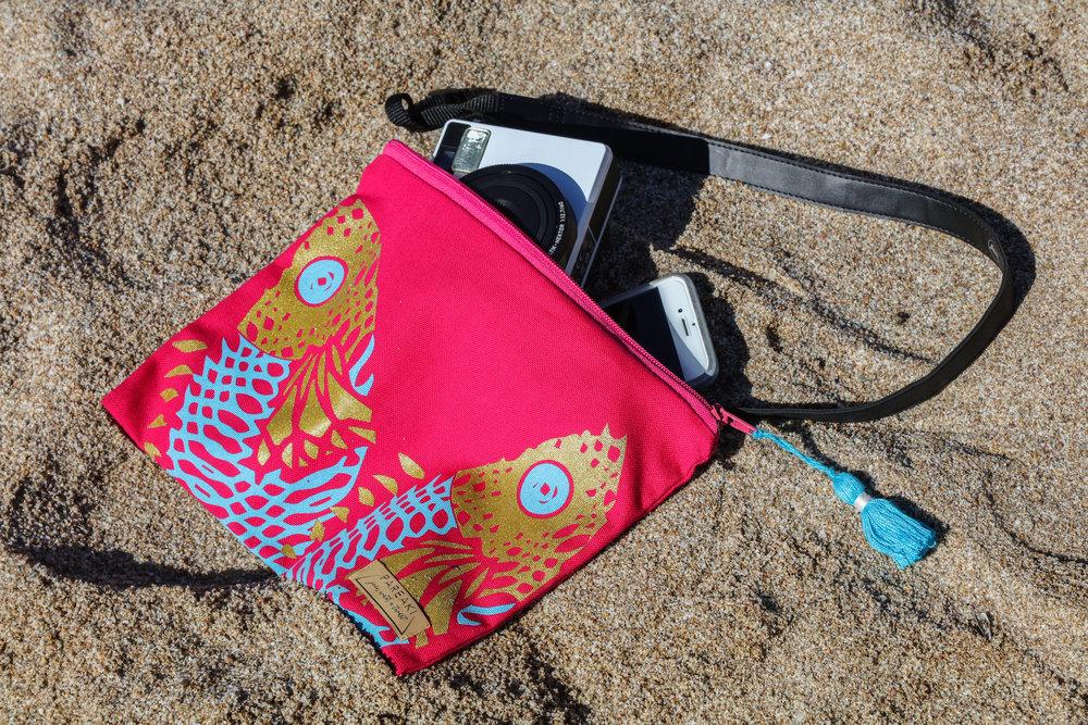 pareaki-summer-2018-clutch-bag-waterproof-canvas-screen-print-design copy.jpg