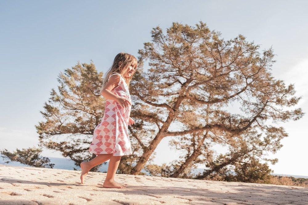 pareaki-ss18-summer-collection-kids-fashion-womens-beachwear-campaign-beachwear-style-for-kids.jpeg
